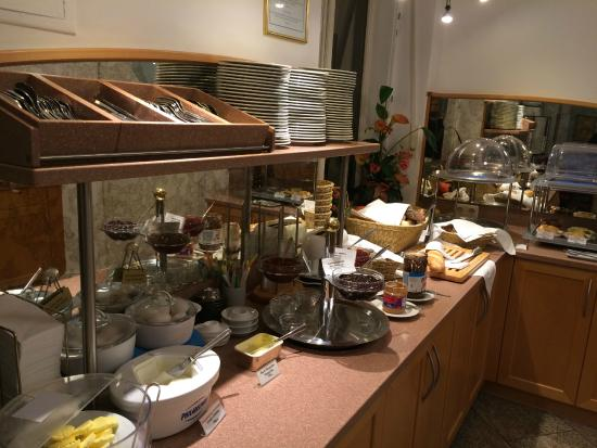 Hotel Uhland: breakfast selections
