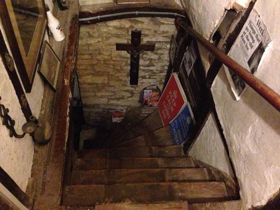 Ancient Ram Inn: photo1.jpg