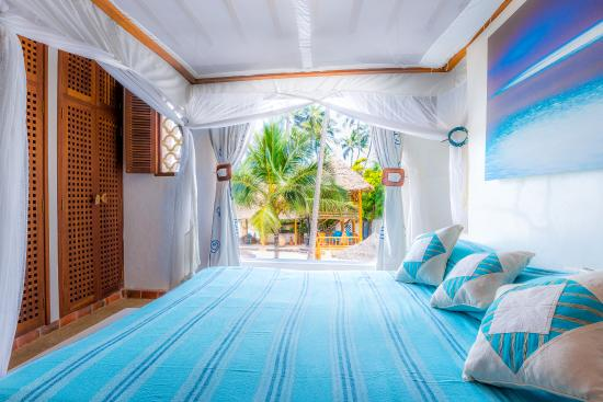 Waterlovers Beach Resort : Master bedroom Ocean Penthouse