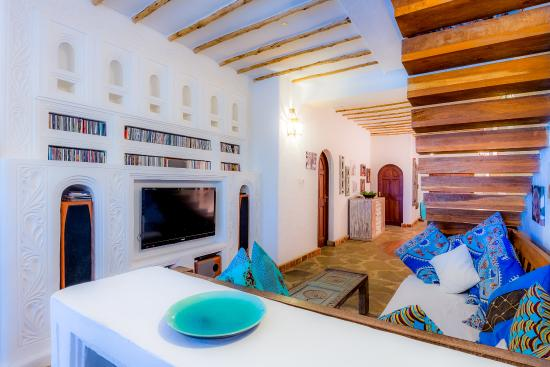 Waterlovers Beach Resort: Ocean Penthouse Living area