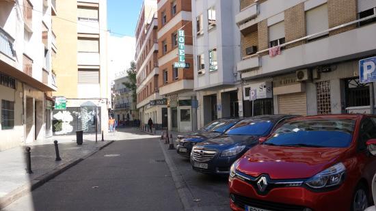 Hotel Riviera: Отель расположен на тихой улочке