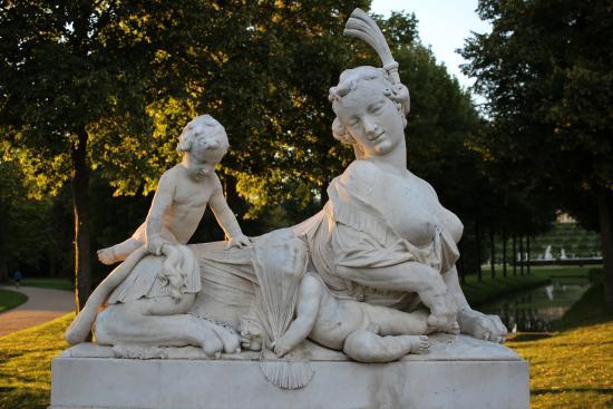 Statuen im Schloßpark - Bild von Park Sanssouci, Potsdam ...