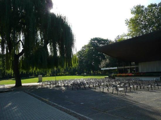 Blumenpfauen - Picture of Kurpark Bad Krozingen, Bad Krozingen - TripAdvisor