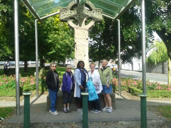 Ancient East Boyne Tours: Visitors to the 9th Century Market Cross in Kells
