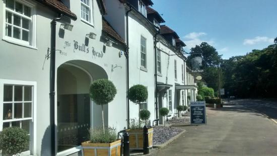 The Bulls Head Meriden - Pub Restaurant and Innkeeper's Lodge