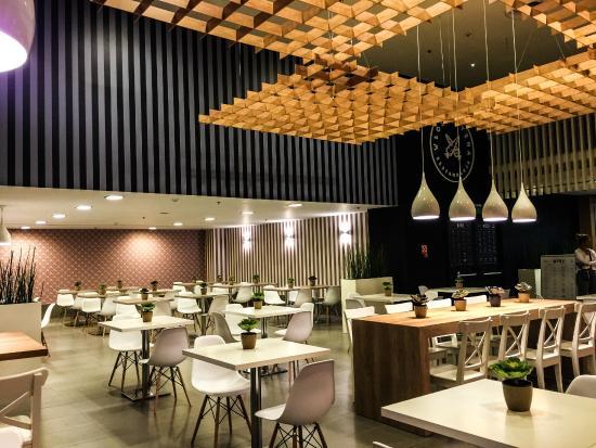 Wloszczyzna Healthy Food Restaurant : lounge