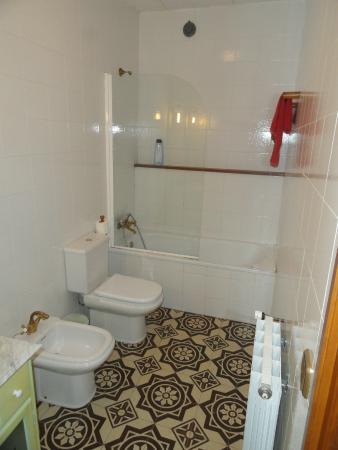 Llabia, Spanien: Baño de la habitación
