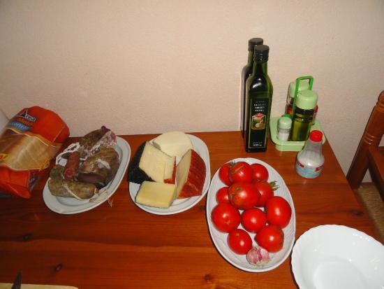 Llabia, Spanien: Productos para el desayuno