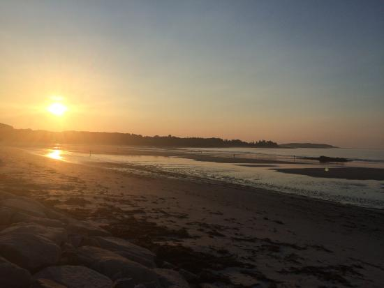 The Breakers Inn Dawn On The Beach