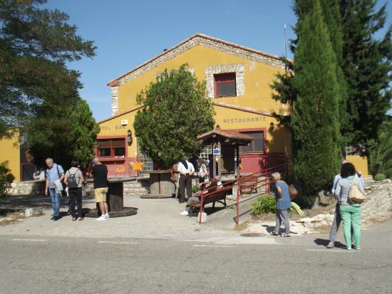 Fuendetodos, İspanya: Vista del exterior