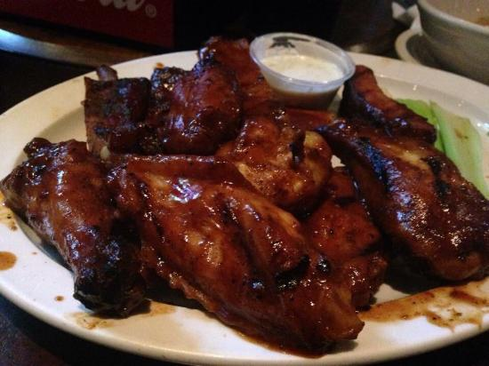 Wobbly Boots : BBQ chicken & ribs from the appetizer section of the menu.