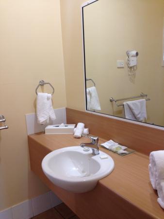 Bathroom Vanity Picture Of Dalby Mid Town Motor Inn Dalby Tripadvisor