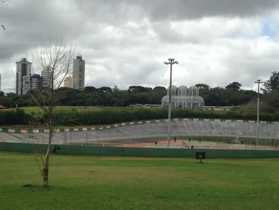 E Quadra pista ciclismo e quadra de tenis - foto de jardim botânico de