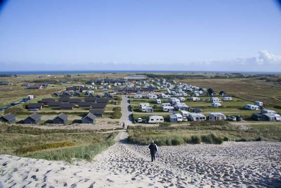 Dancamps Nordsoe: Uitzicht op camping vanaf de duinen