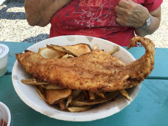 Bet 39 s famous fish fry picture of bet 39 s famous fish fry for Cliffords fish fry