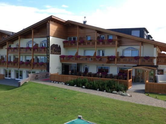 Hotel Santner Alpine Sport & Relax: Hotel