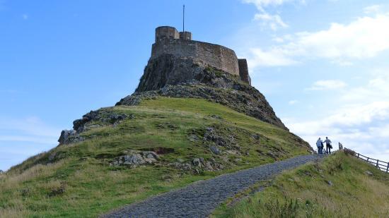 Heart of Scotland Tours: Lindisfarne Castle