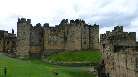 Heart of Scotland Tours: Alnwick Castle