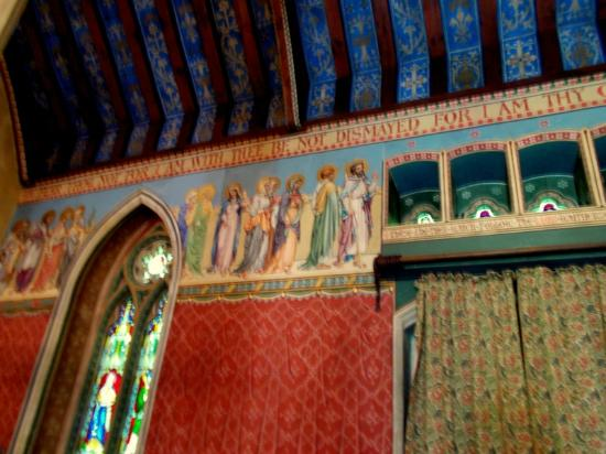 Holy Innocents Church, Highnam, Gloucester - Picture of Holy