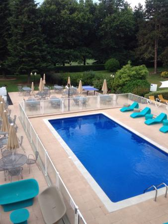 Vue sur la piscine !!