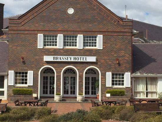 Brassey Hotel: photo1.jpg