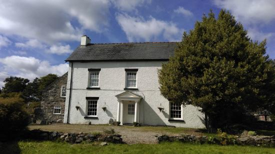 Llanfor, UK: Pen-Isa'r-Llan Farmhouse