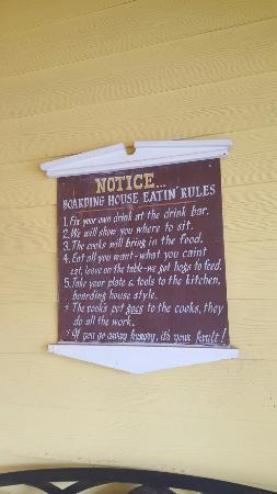 Woodville, TX: House rules and empy plates :)