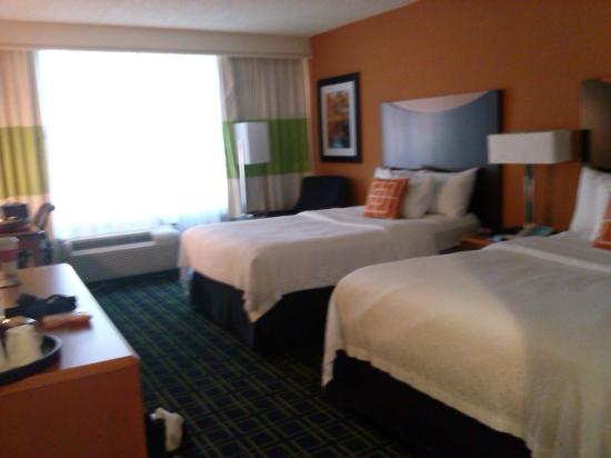 Fairfield Inn Bangor: room 143