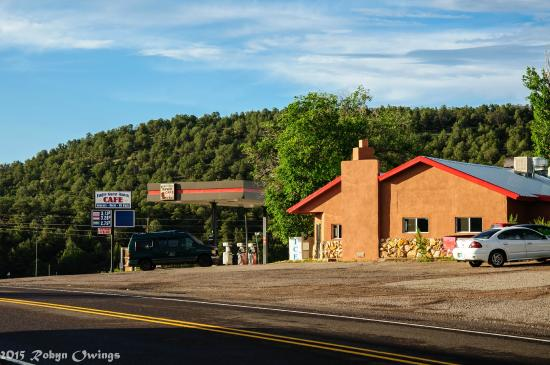 Datil, Nuevo Mexico: Restaurant/motel and groceries.