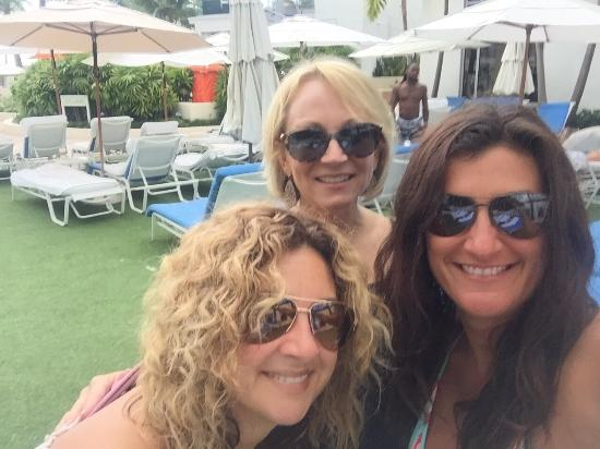 Loews Miami Beach Hotel Girls Labor Day Weekend 2015