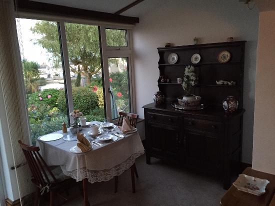 Linger Lodge: photo3.jpg