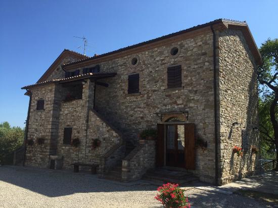 Monte Santa Maria Tiberina, Italia: la casa colonica, 2 appartamenti