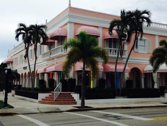 Third Street South: Pretty shops