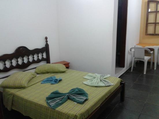 Beira Mar : cama arrumada