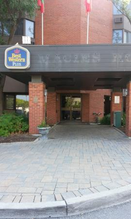 BEST WESTERN PLUS Ottawa City Centre: Entrance