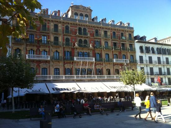 Cafe Iruna: location