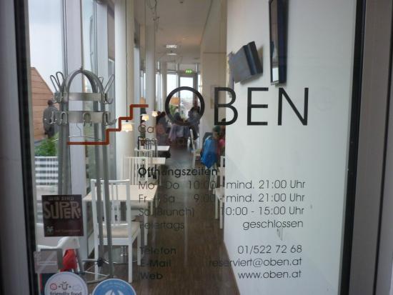 Oben Kuche Bar