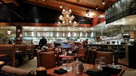 Claim Jumper: Restaurant View