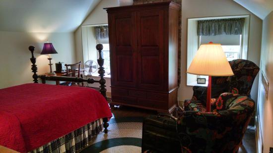 Photo of Augustus T. Zevely Inn Winston Salem