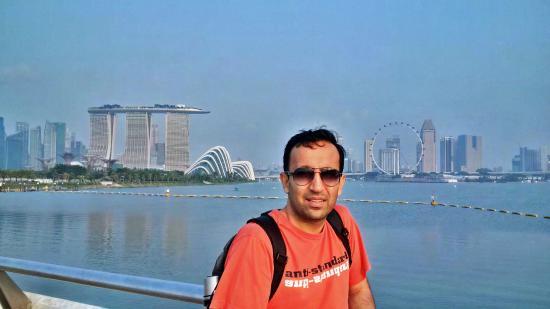 Marina Barrage: View from barrage dam