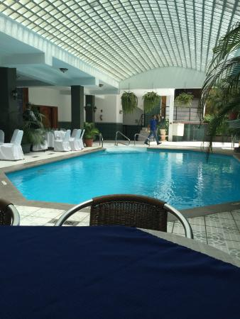 Hotel and Casino Excelsior: Piscina del hotel