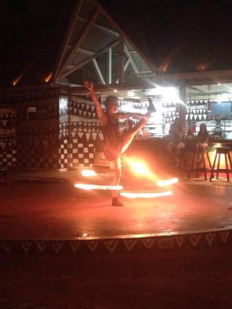 Bocas Bambu Beach: Espectáculo de malabares con fuego