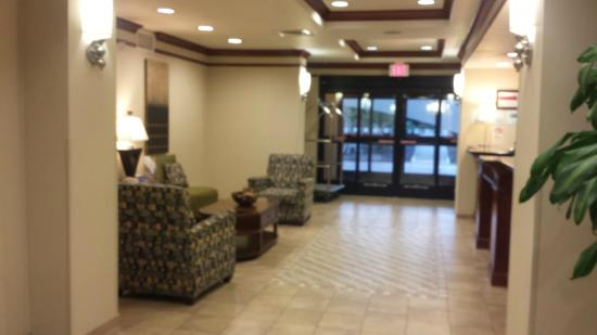 Holiday Inn Express Hotel & Suites Vancouver Portland North: Lobby