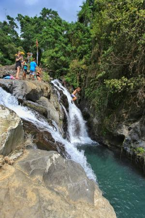 NEWbali: Jumping from 10 meters height