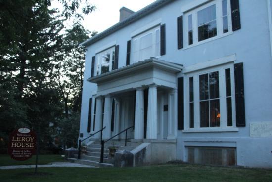 Le Roy, NY: LeRoy House