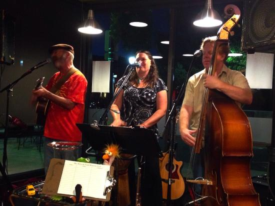 Nebbiolo Wine Bar And Market: Live music!