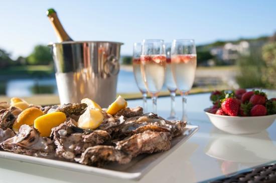 Premier Resort The Moorings (Knysna): Romantic Picnic at the Waterfront Villas