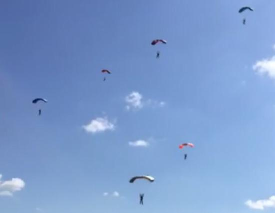 Skydive Langar: photo0.jpg