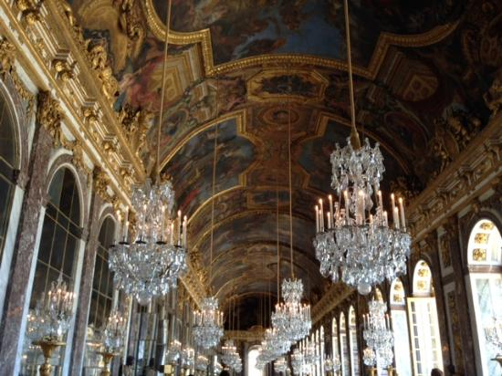 Palace of versailles hall of mirrors 2 picture of the for Espejos hall