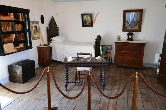 Museo Deleddiano - Casa natale di Grazia Deledda: Спальня